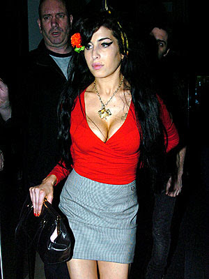 amy winehouse bra size 36c after breast implants amy winehouse is a