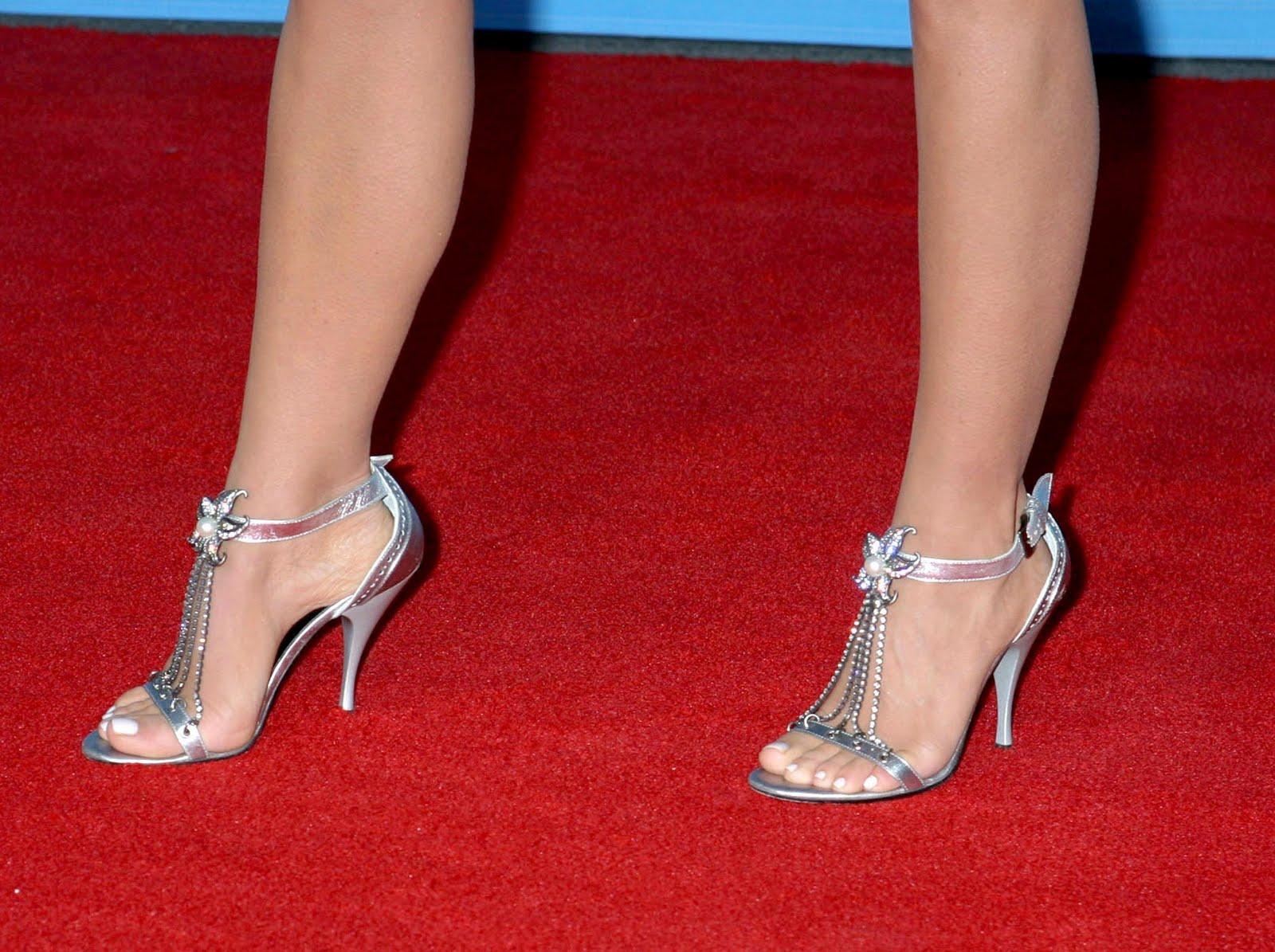 Carmen Ejogo Shoe Size