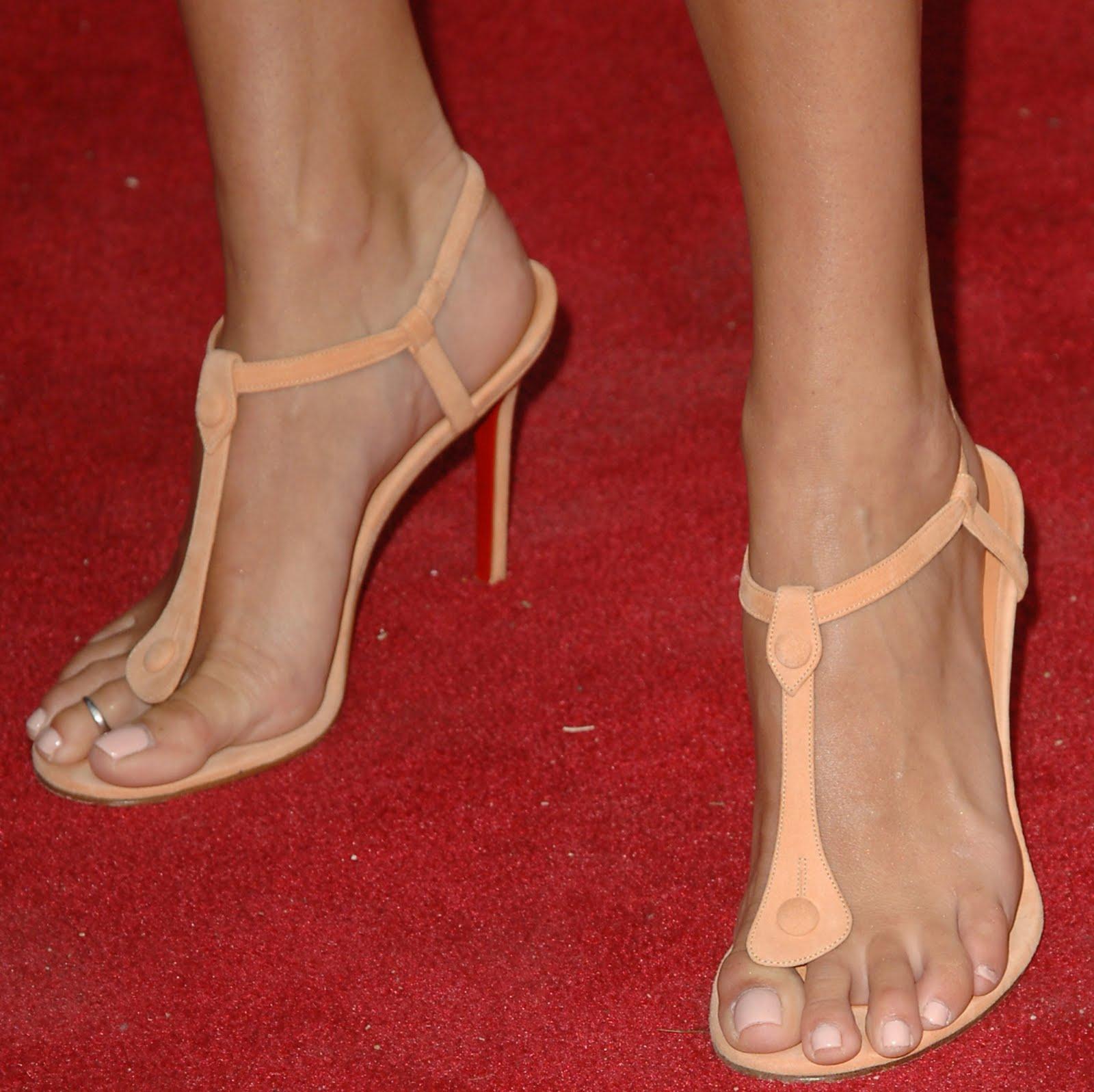 Celebrity Shoe Sizes | Celebrity Shoe Size List