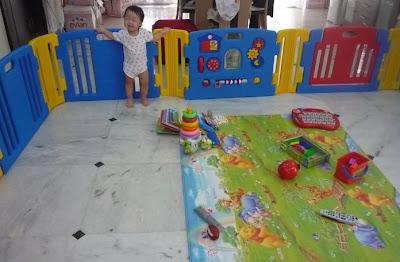 Little Rachel\'s Baby Adventures...: <<< Play Yard to Play Corner >>>