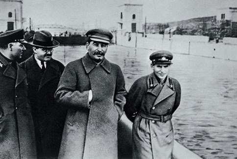 stalin manipulation Joseph stalin is among the most reviled men in history he was responsible for the deaths of countless russians the great purges, collectivization, the gulags, the show trialsthe list goes on and on forever stalin was also a master of manipulation he successfully shifted the blame for all of.