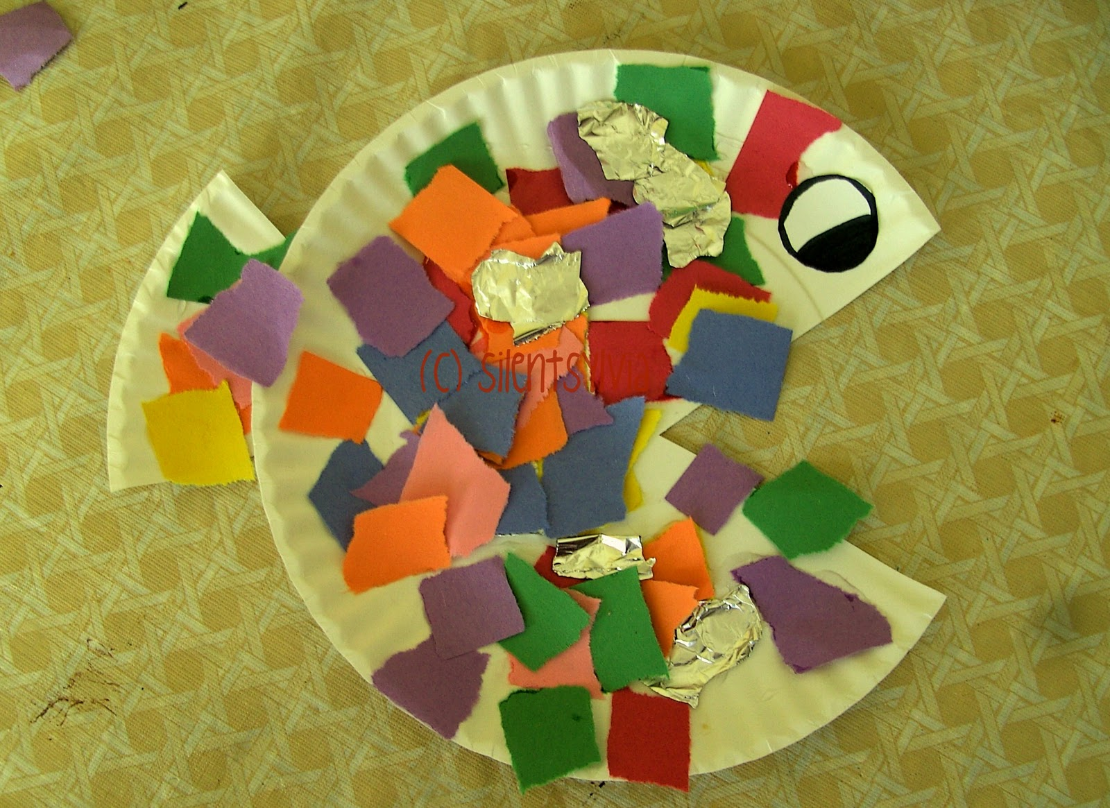 crayon freckles paper plate rainbow fish