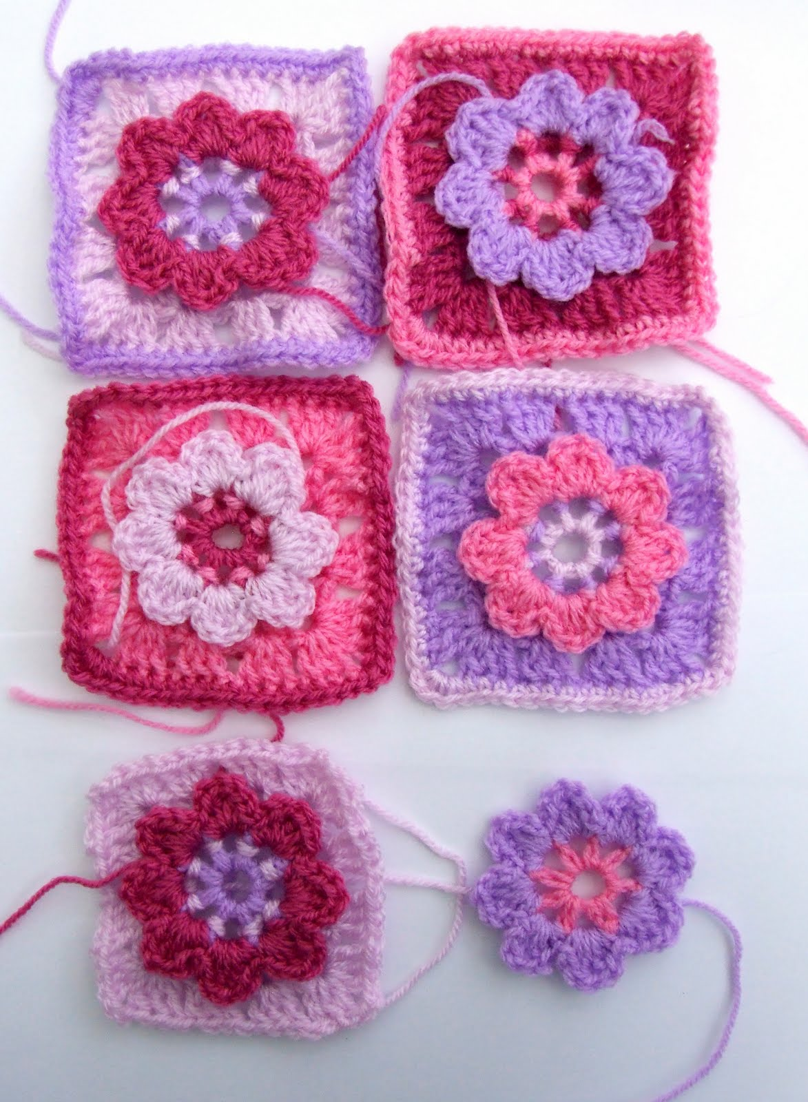 Granny Squares-Motifs-Applique - Free Patterns: Half-Granny Square