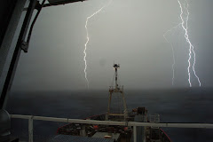 2am, GM0HCQ/MM is woken up from his bunk to a loud bang, lightning at sea in Antarctica.