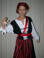 Ixi als Jack Sparrow vor der Party