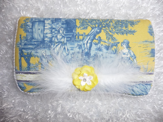 Too CuTe ToiLe YeLLoW SuNsHiNe & BLuE w/ wHiTe MaRaBou GiRL's WiPe CaSe