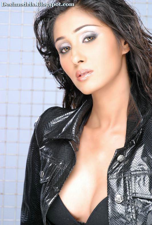 Sanjana Tomar Hot Indian Desibabe