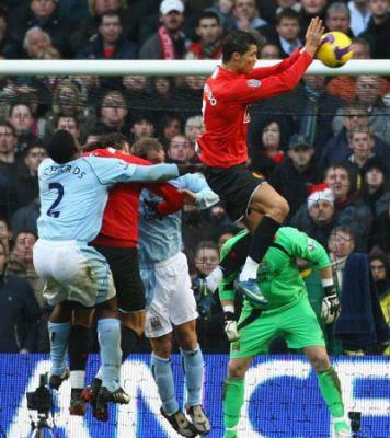 man utd ronaldo handball