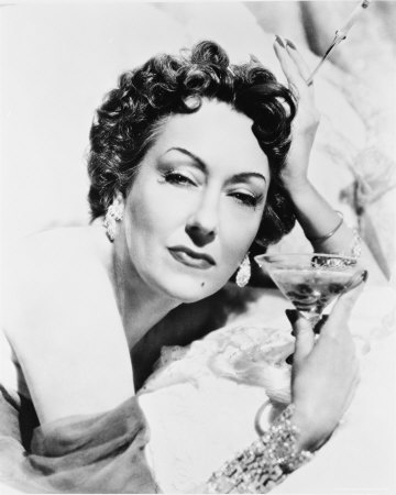 gloria swanson s life Gloria swanson may have struggled,  welsch manages the complicated task of revealing these and many other facets of swanson's life with a strong sense of balance.