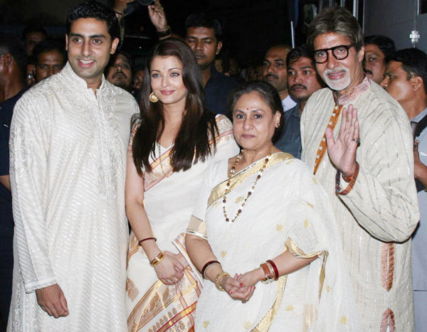 Big B and his family line up for Balki's next