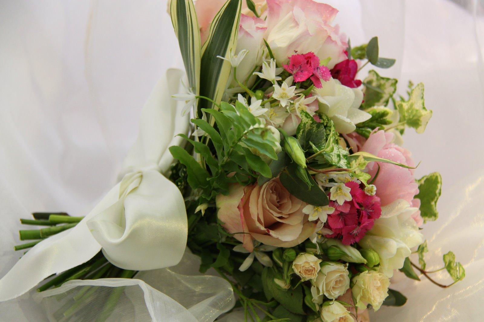 wedding wildflower bouquets