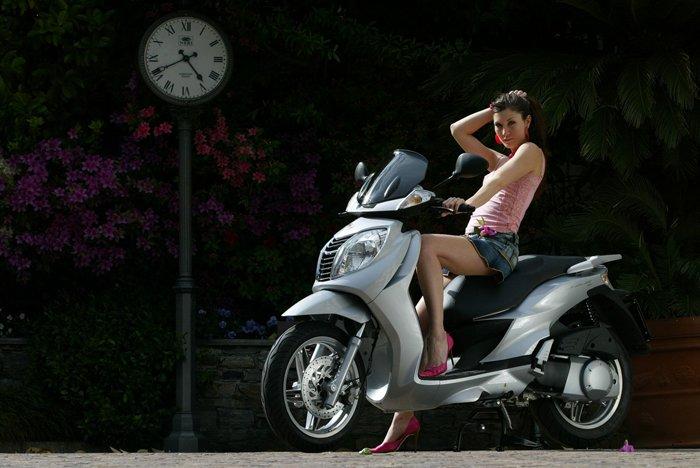 harley motorcyclesclass=hotbabes