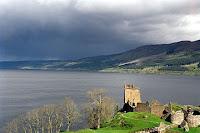 مشهد من بحيرة لوخ نس