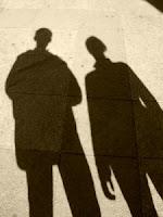 ظاهرة أصحاب الظلال السوداء ، من هم ؟ ومن أين أتوا ؟ Shadow People
