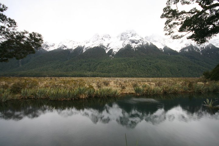 mirror lake in Newzealand(ถ่ายเมื่อ Oct 2010)