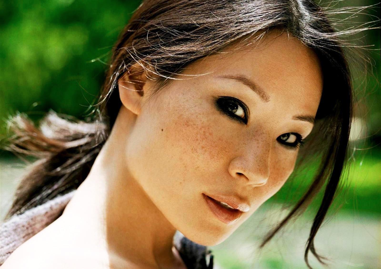 http://4.bp.blogspot.com/_UrdwnOFJcUA/TPHOrJyIAYI/AAAAAAAACHc/7qgPjOFeFQ8/s1600/Lucy%2BLiu.jpg