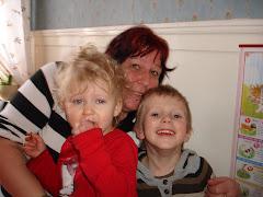 Jag och Barnbarnen Gabriel och Isabelle
