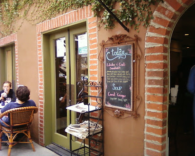 a restaurant patio in Los Feliz