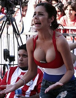 Lingerie model Larissa Riquelme promises fans a treat
