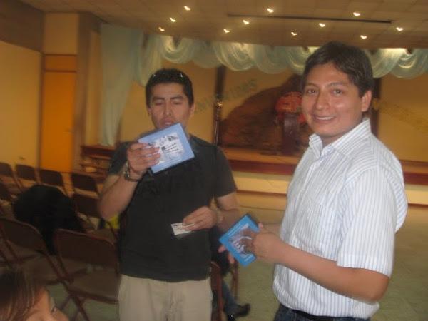 Muchos compraron sus dvds de recuerdo que preparamos