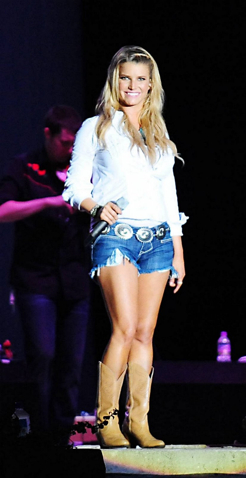 [73941_Celebutopia-Jessica_Simpson_performs_at_Country_Thunder_USA_Festival_in_Twin_Lakes-23_122_213lo.jpg]
