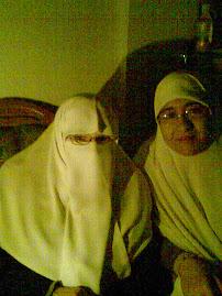 أنا مع زوجة الشهيد د / عبدالعزيز الرنتيسى