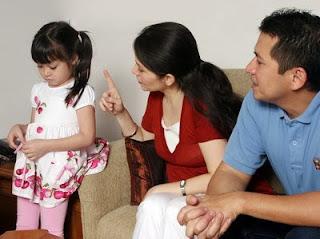 ... tips / cara mengajari anak agar menghormati orang yang lebih tua