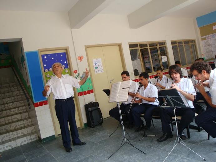 Maestro da Banda Santa Cecília Homenageia Villa Lobos