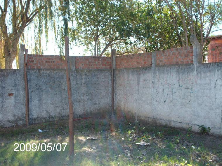 Área na Escola Dr.Ruy Coelho Gonçalves onde será construído o viveiro educativo.