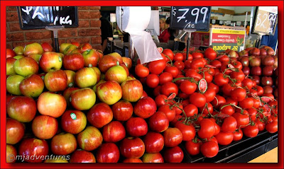 Red_Apples_And_Tomatoes