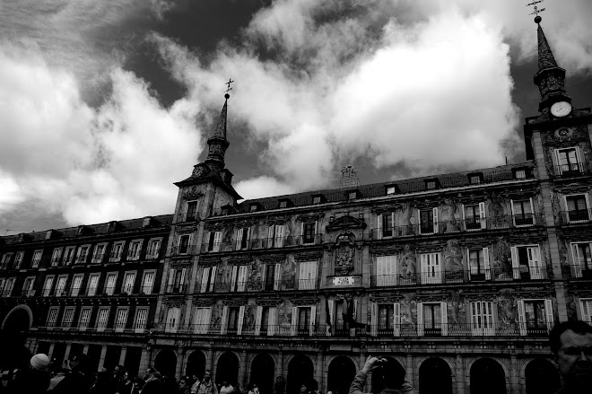 la plaza mayor.madrid.marzo.08