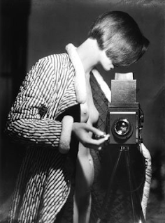 annemarie+schwarzenbach+with+camera Annemarie Schwarzenbach