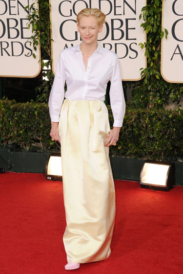 golden globes 2011. tilda swinton in jil sander