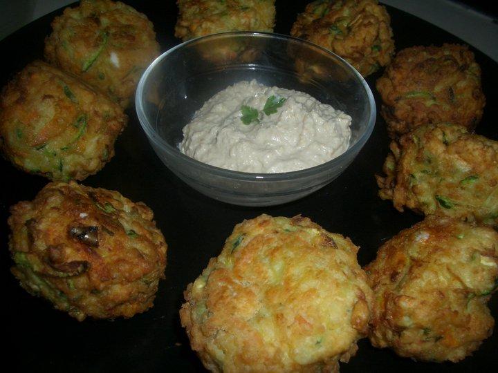 Amanzi - Fundu: Kolokythokeftedes (Zucchini and Feta Balls)