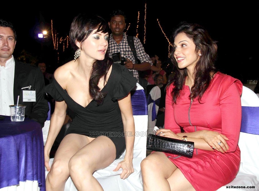 YANA GUPTA LATEST WARDROBE MALFUNCTION