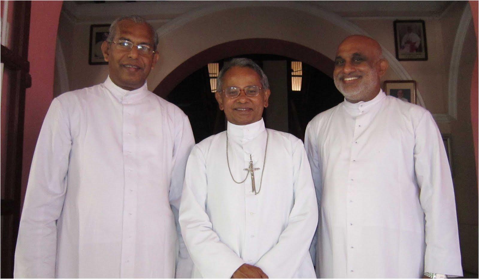 Kottapuram Bishop Dr. Joseph Karikkassery (middle).