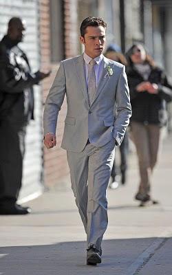 What to wear: Grey suit, light purple shirt, black dress shoes ...