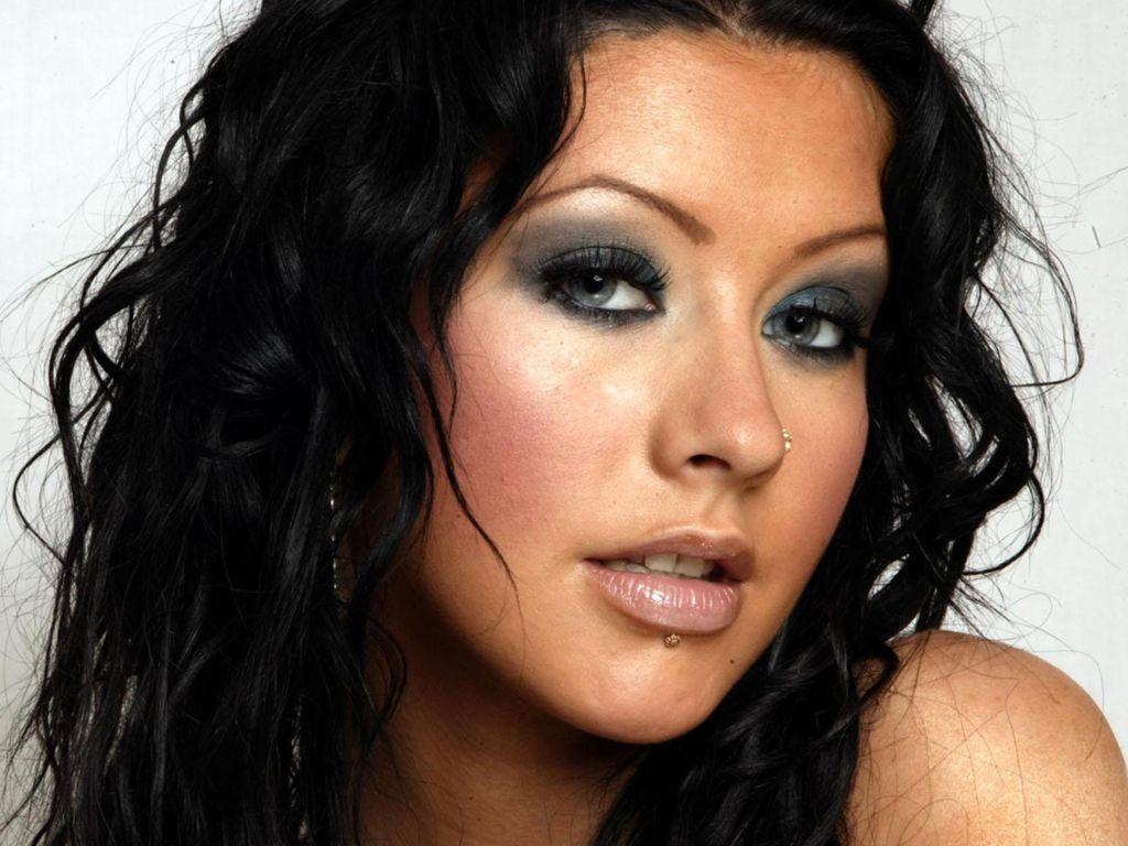 http://4.bp.blogspot.com/_V4L_yZYeb9g/TRKL015bk5I/AAAAAAAAAhE/Qzm4y1pVsFg/s1600/Christina-Aguilera-2.jpg
