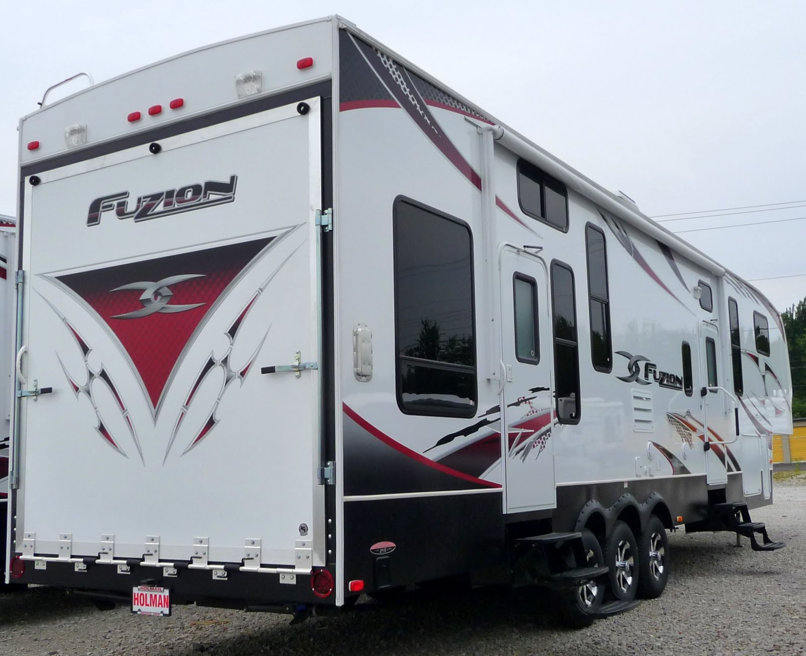 Rv Toy Hauler With Front Living Room