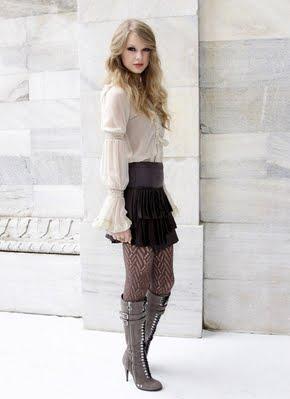 http://4.bp.blogspot.com/_V6Nqt3XAMVw/TKCorrs_YTI/AAAAAAAABq8/JKfv3FvFbck/s1600/Taylor+Swift+photoshoot+Italia+002.jpg