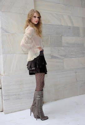 http://4.bp.blogspot.com/_V6Nqt3XAMVw/TKCosRQMAFI/AAAAAAAABrc/l1tcDL2_6MU/s1600/Taylor+Swift+photoshoot+Italia+006.jpg