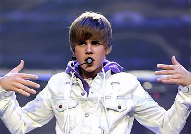 Web Parks: Justin Bieber\'\'s nail polish collection sells out