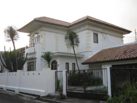 Rumah mewah gaya eropa di lokasi strategis dekat Hotel Hyat jogja