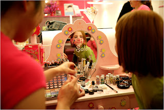 girlygirls2 Girly Girls: The Growing Trend of Marketing Makeup To Children