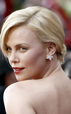 charlize+theron+oscars+academy+awards+2010 Oscars 2010 Beauty: Charlize Theron