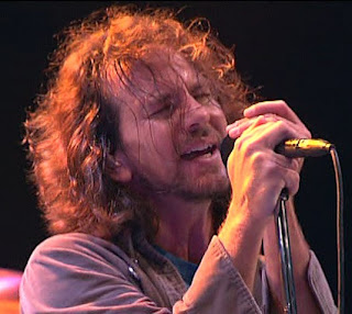 Eddie+Vedder+Hair Pearl Jam Rocks, But Eddies Hair Needs A Little Vitalogy