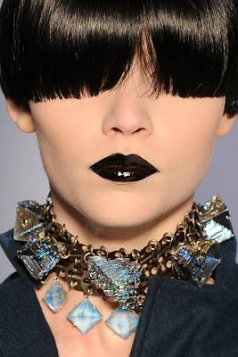 ysl2 Get Gorgeously Goth Lips