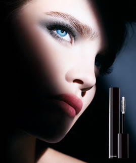 chanel+ad Black Magic: Exceptionnel de Chanel Intense Volume and Curl Mascara