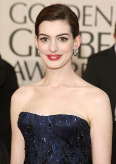 anne+hathaway Golden Globes Gorgeous: Anne Hathaway