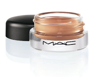 wd4 Coming Soon From MAC: Well Defined Collection